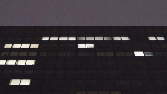 building-windows-lights-purple-1152x648-lindenpartners-Berlin