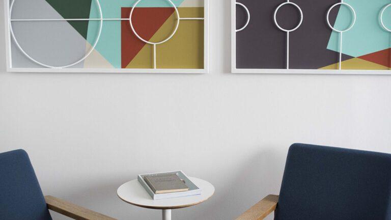 lounge-table-books-art1152x648-lindenpartners-Berlin