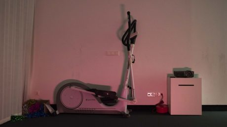 treadmill-christmas-red-light-1152x648-lindenpartners-Berlin